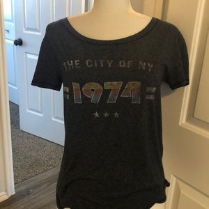 Abercrombie & Fitch  New York 1974 tshirt New Tags